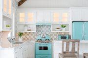 Фото 5 Цветные холодильники: яркие акценты против серой обыденности на кухне