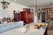 Фото 16 Цветные холодильники: яркие акценты против серой обыденности на кухне