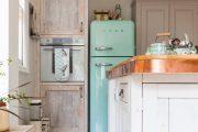 Фото 27 Цветные холодильники: яркие акценты против серой обыденности на кухне