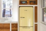 Фото 29 Цветные холодильники: яркие акценты против серой обыденности на кухне