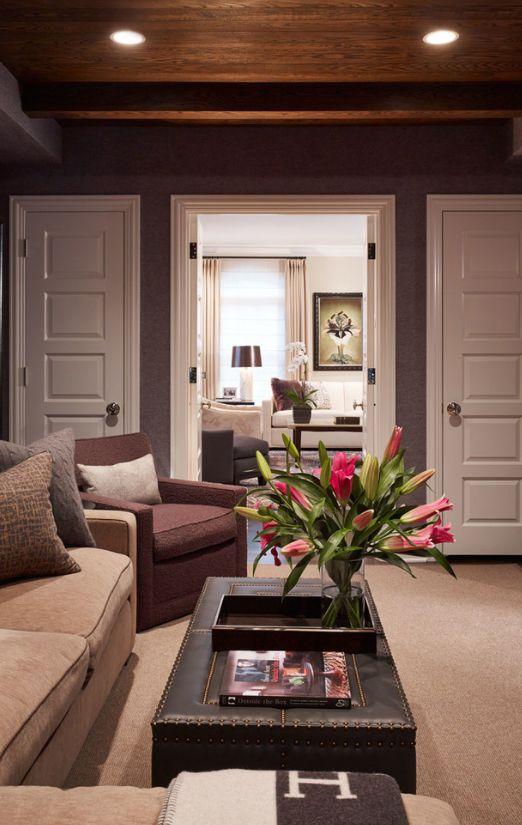 Классический пример филенчатых дверей: прямоугольные горизонтальные деревянные вставки-филенки
