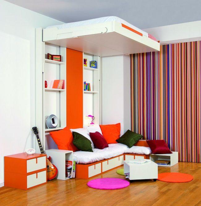 Современная французская кровать-трансформер от фирмы BedUp