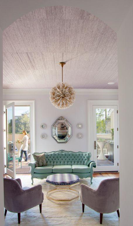 Классический дизайн дивана-раскладушки с французским механизмом