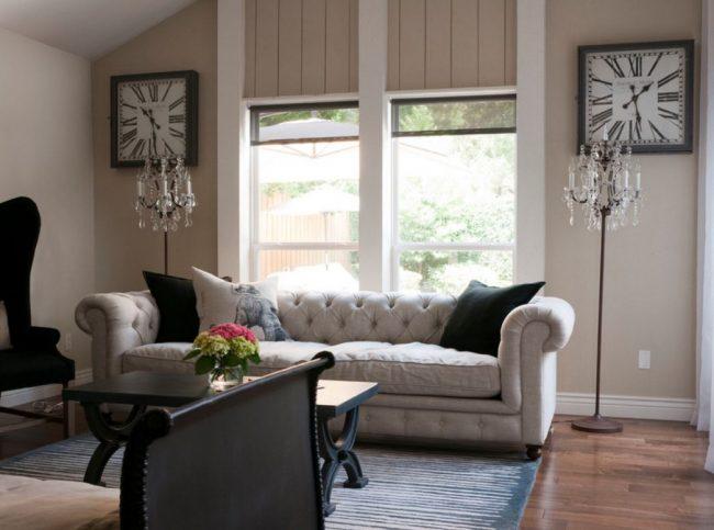 Дизайн кровати-дивана может быть разным и повторять мотивы Франции. Для этого используется характерная обшивка - однотонный велюр в комбинации со стеганной тканью