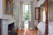 Фото 32 Французская кровать: трендовые модели и 80 утонченных интерьерных идей для спальни