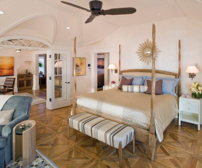 Деревянный каркас мебели может стать ее главным украшением и позволит кровати вписаться в любой интерьер