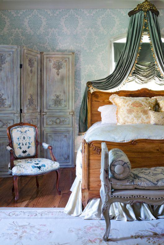 Древесина - основной элемент в создании французских кроватей