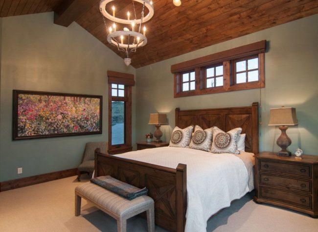 Выбирайте комнату с несколькими окнами для установки кровати. Тогда доступ к свежему воздуху и быстрому проветриванию будет всегда