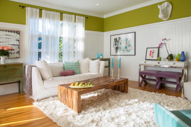 Упругость дивана хорошо отражена в его внешних формах. Чем больше округлостей в форме спинки, сидений и даже подлокотников, тем мягче будет сама модель дивана