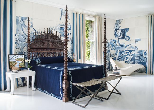 Декор стен в спальне с помощью панно
