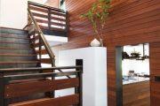 Фото 29 Отделка стен деревом: 80 потрясающих интерьеров, которые изменят ваше отношение к экостилю и шале