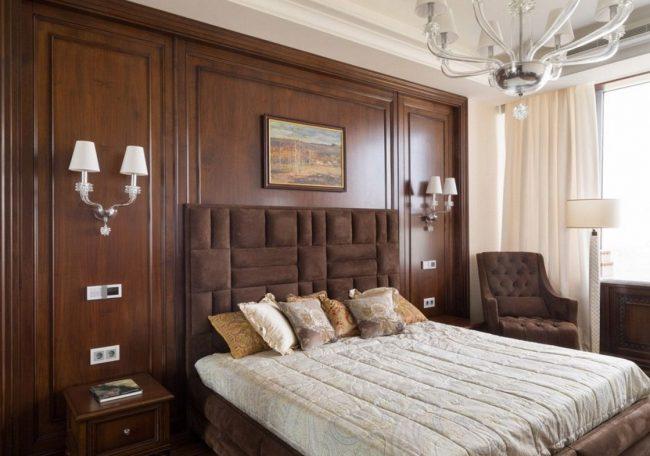 Классические буазери из натурального дерева подойдут для оформления номеров отеля или комнат гостей в загородном доме