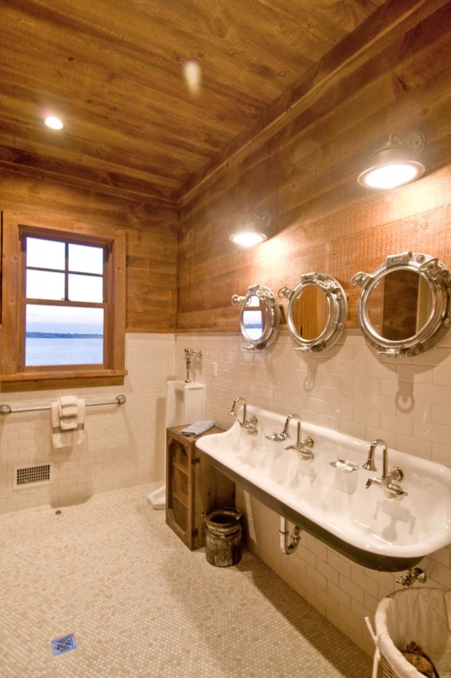 Фаянсовый писсуар – традиционное решение для ванной комнаты