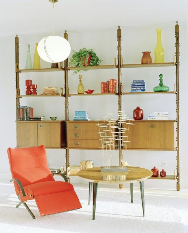 Интересный дизайн миниатюрного реклайнера с текстильной обивкой и металлическим корпусом