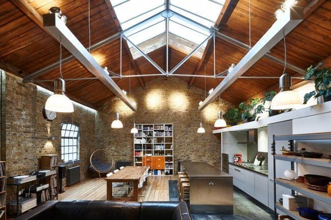 Квартира в стиле лофт - это максимум воздуха и света. Большие просторные помещения с высокими потолками понравятся семьям, уставшим от маленьких комнат