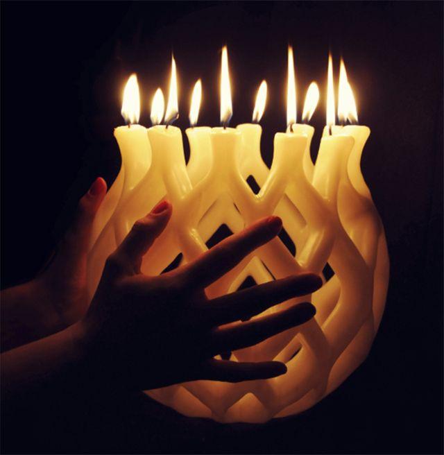 Самодельная традиционная свеча необычной формы