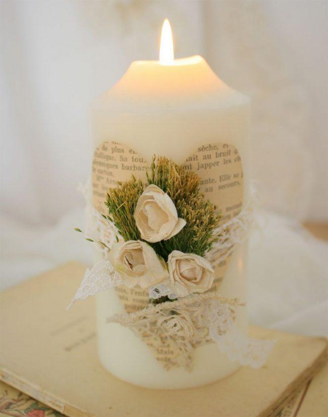 Декупаж широкой классической свечи