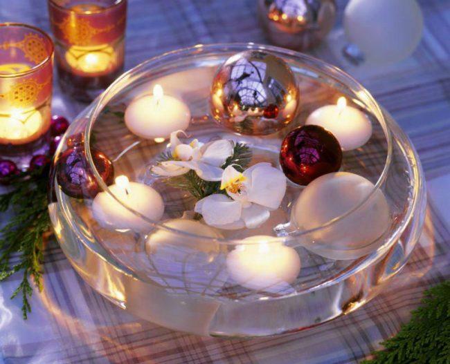 Плавающие свечи с цветами и шарами сделают вечер волшебным