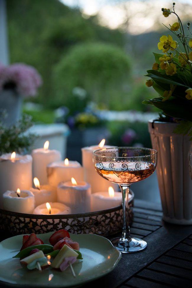 Классические свечи широкой формы разной высоты