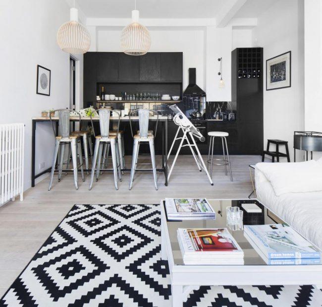 Квартира -студия в контрастный тонах