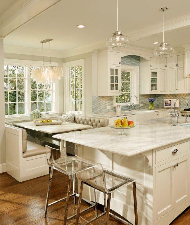 Компактный вариант обустройства пространства для небольшой кухни-студии