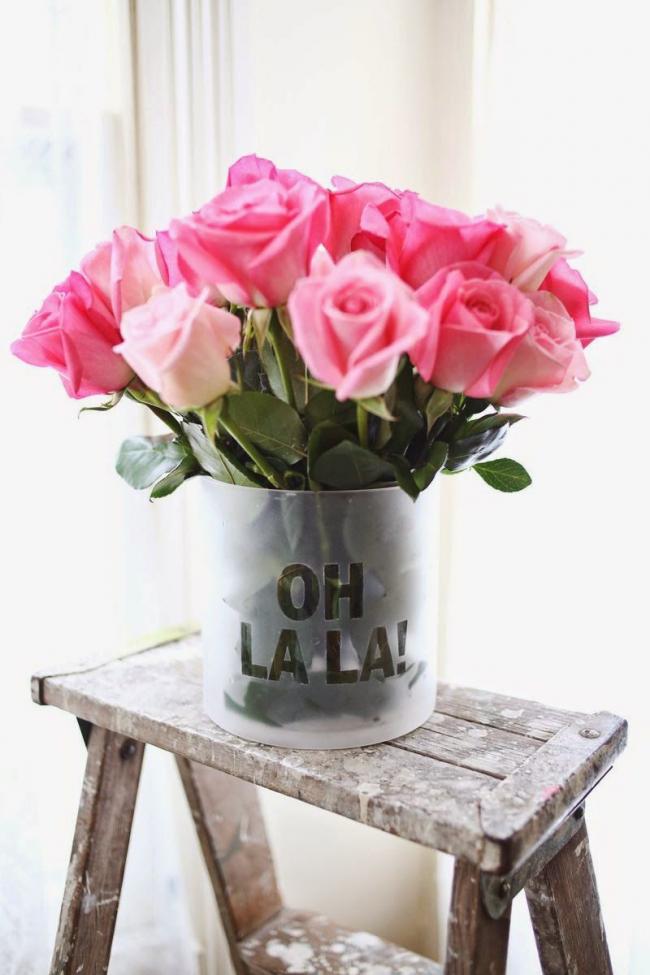 Простая цилиндровая ваза для роскошного букета