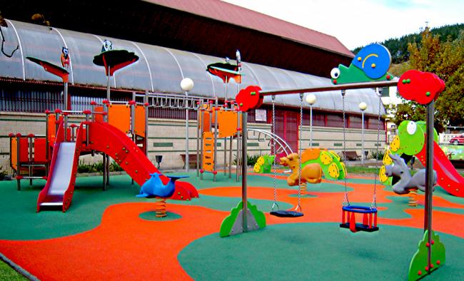 Детская площадка в стиле «Зверинец»