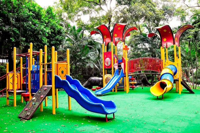Детская площадка в Индии в г. Бангалор