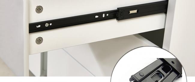 Как правило, на современных комодах с выдвижными ящиками стоят доводчики
