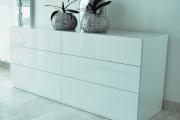 Фото 15 Белые глянцевые комоды: 70+ моделей, воплощающих стиль и интерьерный пуризм