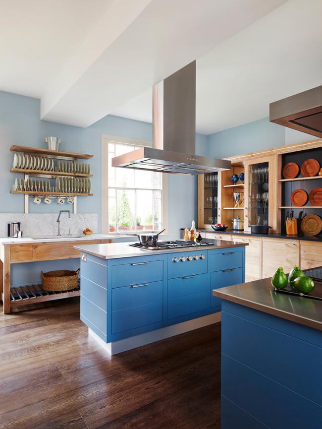 Посуда из дерева может использоваться, как для приема еды, так и для декора вашего интерьера