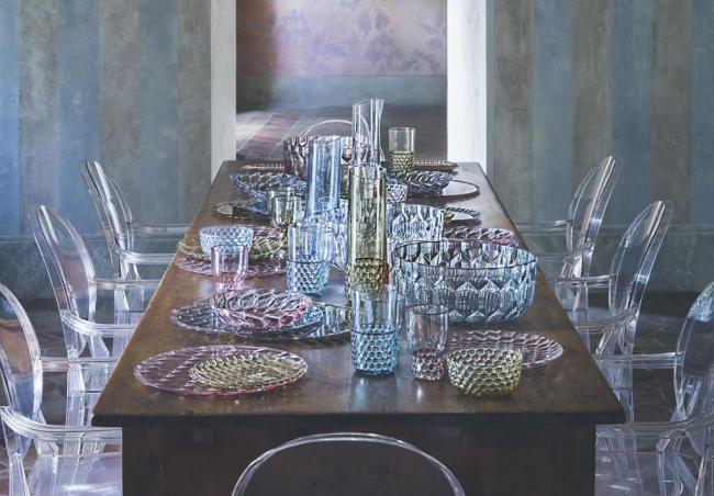 Коллекция Jellies Family марки Kartell от дизайнера Патрисии Уркиолы