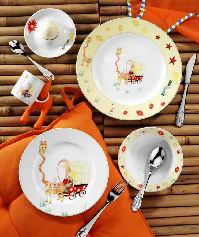 При выборе детской посуды особое внимание стоит уделить ее экологичности