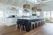 Фото 3 Кухня без верхних шкафов: 75+ функциональных интерьеров для тех, кто устал от кухонной классики