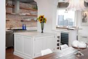 Фото 14 Кухня без верхних шкафов: 75+ функциональных интерьеров для тех, кто устал от кухонной классики