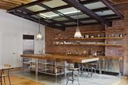 Фото 26 Кухня без верхних шкафов: 75+ функциональных интерьеров для тех, кто устал от кухонной классики