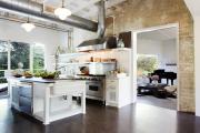 Фото 29 Кухня без верхних шкафов: 75+ функциональных интерьеров для тех, кто устал от кухонной классики