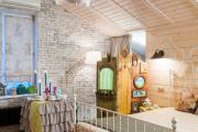 Фото 38 Ламинат на стене в спальне: 80 уютных вариантов отделки для минималистичных интерьеров