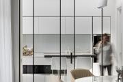 Фото 17 Межкомнатные перегородки из стекла: 80 дизайнерских вариантов зонирования квартиры
