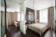 Фото 35 Межкомнатные перегородки из стекла: 80 дизайнерских вариантов зонирования квартиры