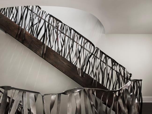 Необычные дизайнерские перила из нержавеющей стали