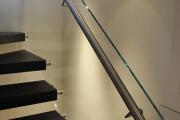 Фото 3 Перила из нержавеющей стали: 80+ универсальных вариантов для современных интерьеров