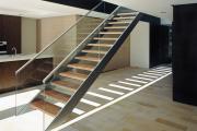 Фото 32 Перила из нержавеющей стали: 80+ универсальных вариантов для современных интерьеров