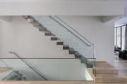 Фото 14 Перила из нержавеющей стали: 80+ универсальных вариантов для современных интерьеров