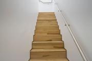 Фото 40 Перила из нержавеющей стали: 80+ универсальных вариантов для современных интерьеров