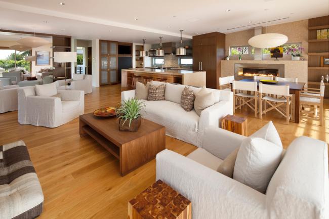 Стильная квартира-студия в классическом стиле в теплых тонах