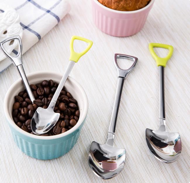 Необычная форма чайной и десертной ложек в виде лопаты
