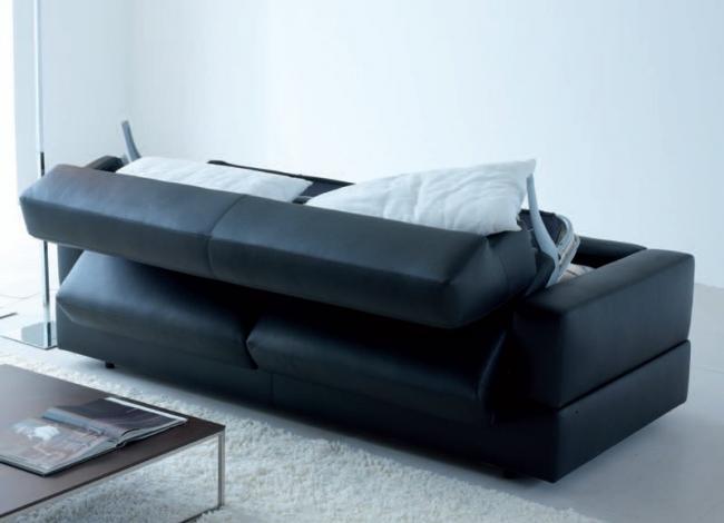 Самое практичное покрытие дивана - кожаное