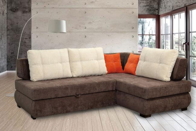 Качественная обивка дивана в темном практичном цвете