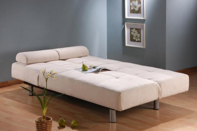 Прекрасной альтернативой стационарной кровати может стать диван с ортопедическим матрасом